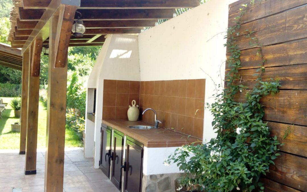 Disfruta del sol y la piscina en La Rioja más rural